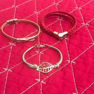 Jewelry - Set of 3 bracelets